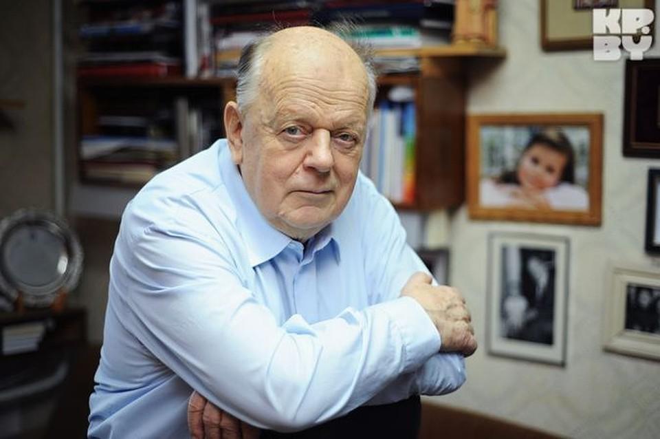 С.Шушкевіч, першы кіраўнік незалежнай Рэспублікі Беларусь